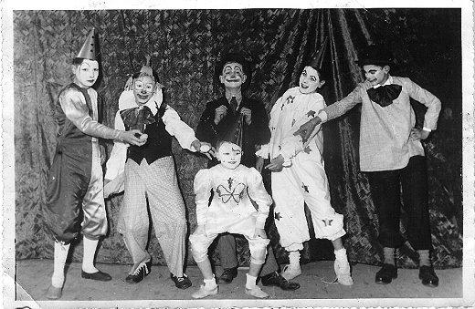 Album de famille - Fêtes écoles 1954